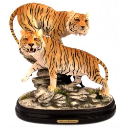 Фигура тигров